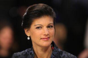 INSA Umfrage Wagenknecht beliebter als Merkel 310x205 - INSA-Umfrage: Wagenknecht beliebter als Merkel