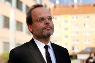 Klein kritisiert Versteigerung von Nazi Devotionalien 310x205 - Klein kritisiert Versteigerung von Nazi-Devotionalien