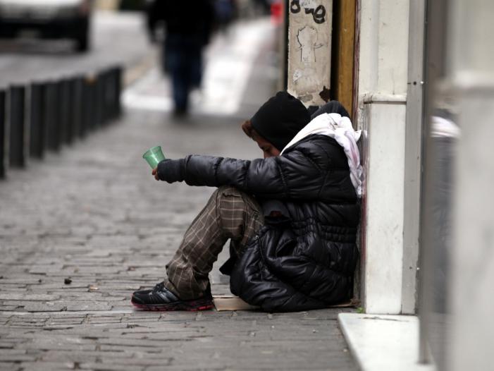 Mehr als zwei von drei Erwerbslosen von Armut bedroht - Mehr als zwei von drei Erwerbslosen von Armut bedroht