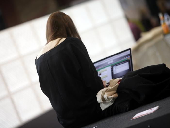 Nur jeder 500ste Interessent beantragt BAföG online - Nur jeder 500ste Interessent beantragt BAföG online