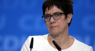 SPD Fraktionschef kritisiert Amtsführung von Kramp Karrenbauer 310x165 - SPD-Fraktionschef kritisiert Amtsführung von Kramp-Karrenbauer