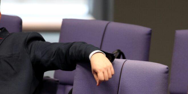 Staatsrechtler fürchtet Arbeitsunfähigkeit des Bundestags 660x330 - Staatsrechtler fürchtet Arbeitsunfähigkeit des Bundestags