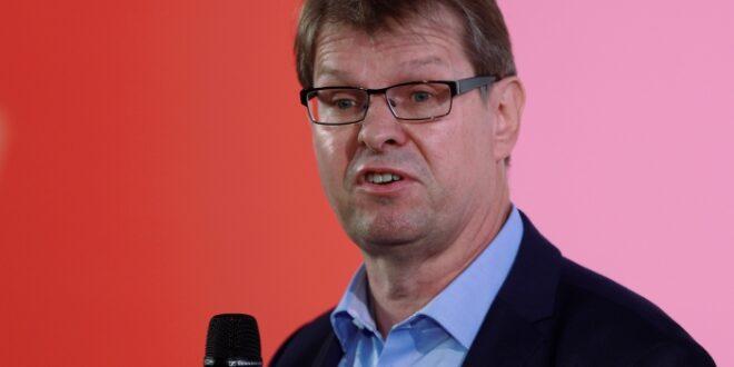 Stegner kritisiert Ablauf der ersten Bewerberrunde um SPD Vorsitz 660x330 - Stegner kritisiert Ablauf der ersten Bewerberrunde um SPD-Vorsitz