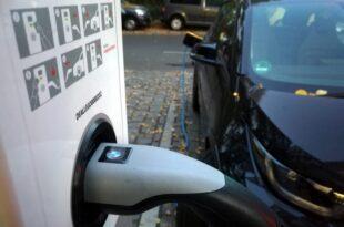 Studie Fahrer von Elektroautos nutzen oft gewöhnliche Steckdosen 310x205 - Studie: Fahrer von Elektroautos nutzen oft gewöhnliche Steckdosen