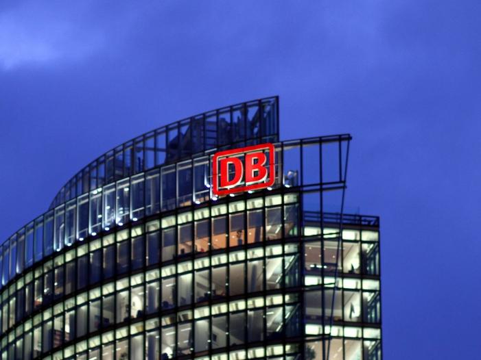 Zwischenbericht Gewinn bei Deutscher Bahn bricht ein - Zwischenbericht: Gewinn bei Deutscher Bahn bricht ein