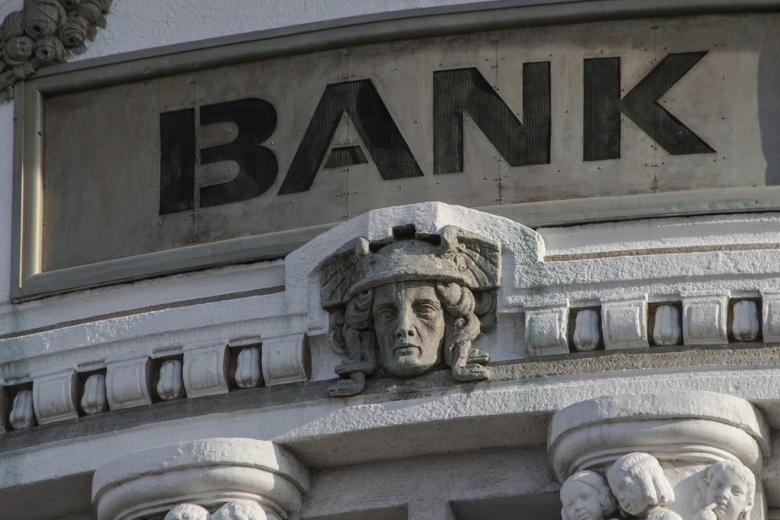 Bank - Kredite - der Mittelstand wird ausgebremst