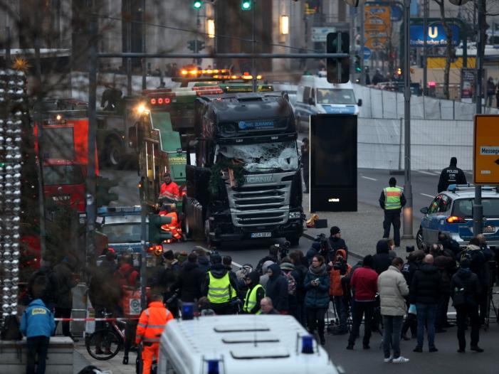 Photo of Breitscheidplatz-Anschlag: Opferbeauftragter mahnt zu Transparenz