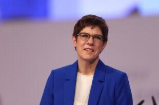 CDU Chefin weist SPD Forderungen zurück 310x205 - CDU-Chefin weist SPD-Forderungen zurück