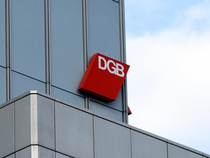 DGB Auch Beamte und Bundestagsabgeordnete für Rente zahlen lassen - DGB: Auch Beamte und Bundestagsabgeordnete für Rente zahlen lassen