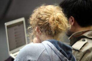 Deutsche spenden und schenken immer mehr online 310x205 - Deutsche spenden und schenken immer mehr online