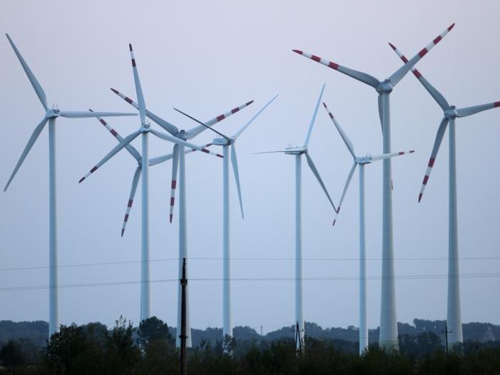 """Photo of Grüne legen """"Rettungsprogramm"""" für Windkraft vor"""