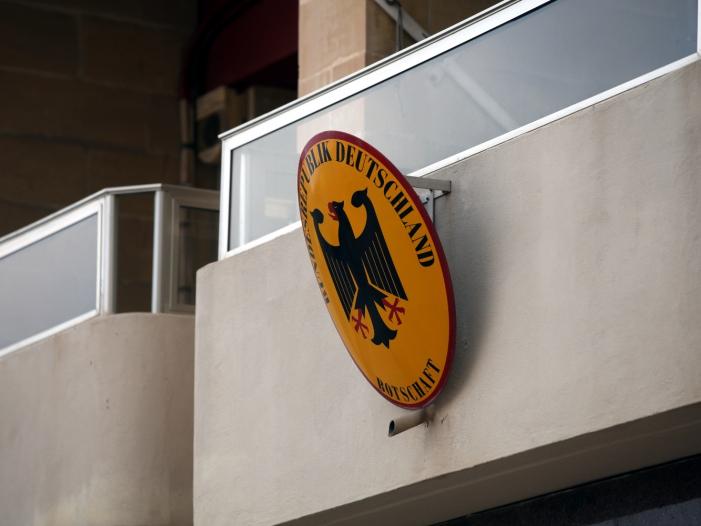Photo of Hirte: Visa-Anträge ausländischer Arbeitskräfte zügiger bearbeiten