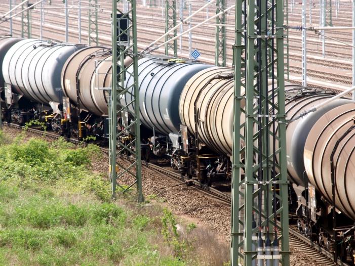 Künftige DB-Cargo-Chefin will mehr Verkehr auf die Schiene bringen
