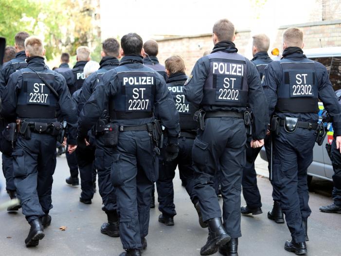 """Photo of Rechtsextremismus: GdP wehrt sich gegen """"pauschale Vorwürfe"""""""