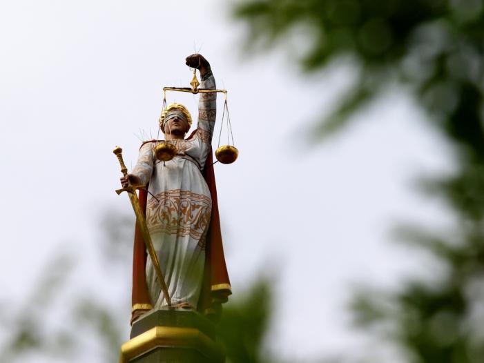 Richterbund fordert mehr Justizpersonal wegen kriminellen Firmen - Richterbund fordert mehr Justizpersonal wegen kriminellen Firmen