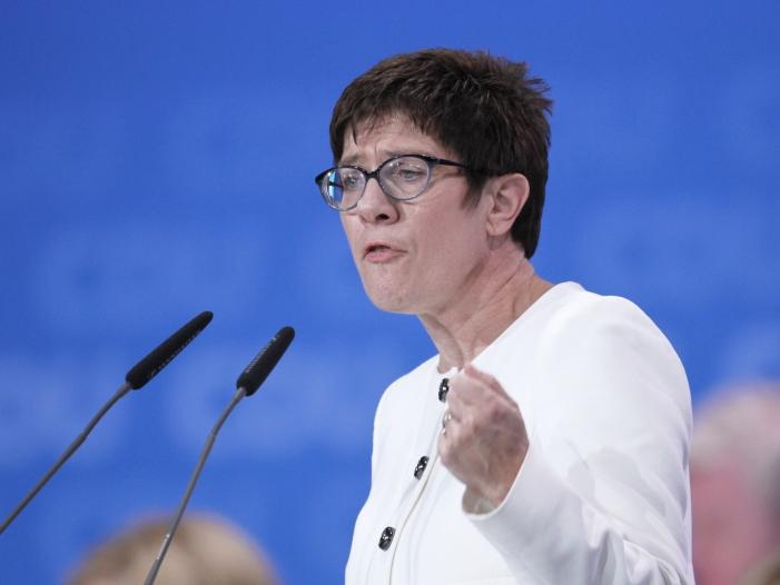 SPD warnt AKK vor übereilter Anschaffung bewaffneter Drohnen - SPD warnt AKK vor übereilter Anschaffung bewaffneter Drohnen