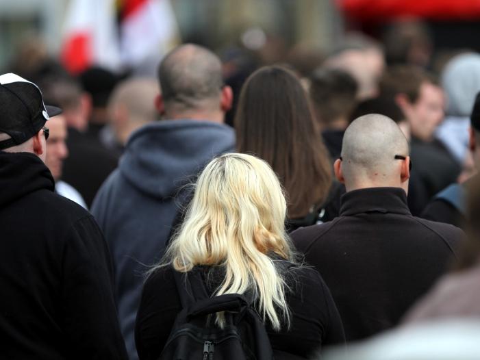 Photo of Schäuble fordert von CDU klare Abgrenzung gegen Neonazis