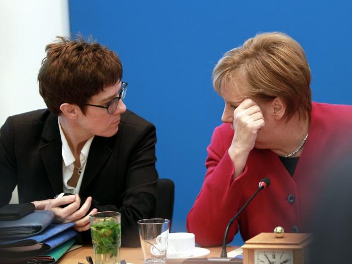 Bild von Scholz: Kein vorzeitiger Kanzlerinnen-Wechsel mit Stimmen der SPD