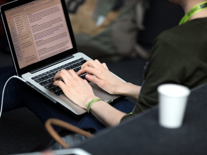 Photo of Studie: Mitarbeiter großer Firmen arbeiten seltener im Homeoffice