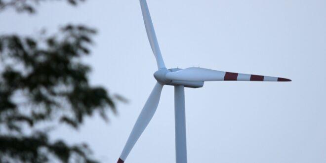 Wirtschaftsminister hält an Abstandsregelung für Windräder fest 660x330 - Wirtschaftsminister hält an Abstandsregelung für Windräder fest