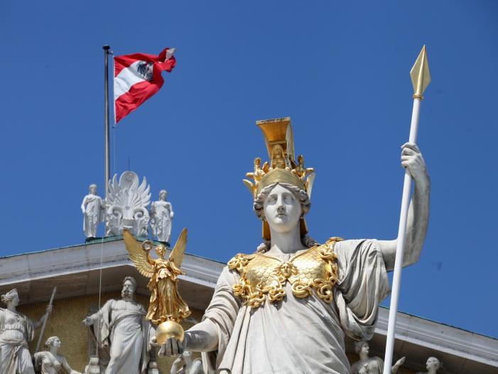 Bild von Österreichs Bundespräsident vereidigt neue Regierung