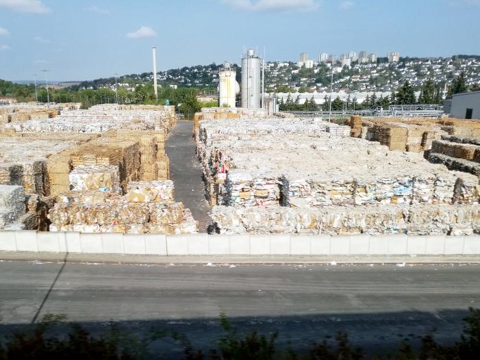Photo of Altpapier-Krise sorgt für steigende Müllgebühren