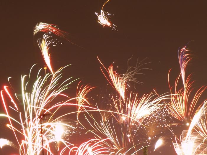 Photo of Am Brandenburger Tor feiern Hunderttausende Silvester