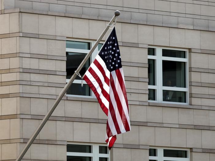 Bild von Angriffe auf US-Botschaft im Irak: Pompeo verschiebt Ukraine-Reise