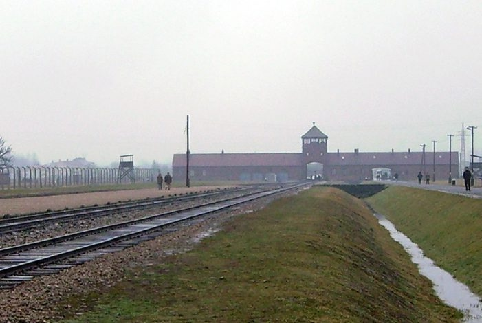 Photo of Bundesstiftung: Auschwitz war in DDR kein Thema