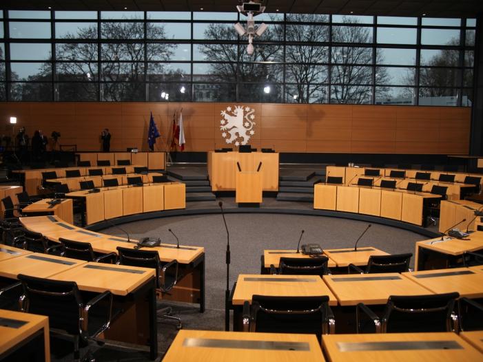 """Bild von CDU und Linkspartei prüfen """"Projektregierung"""" für Thüringen"""
