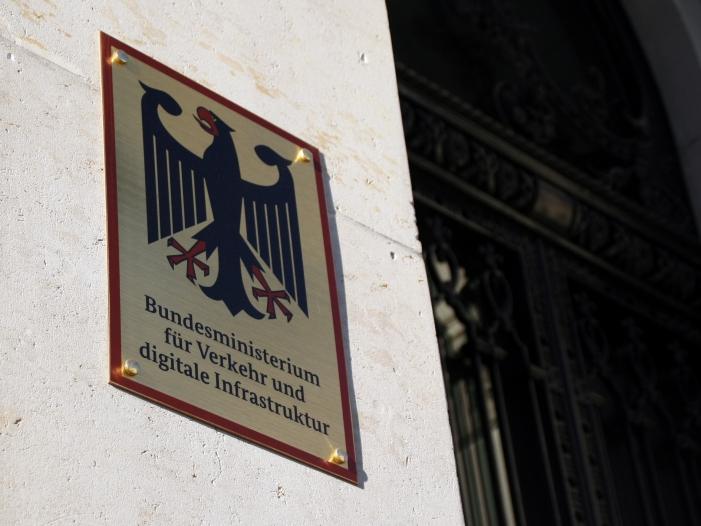 Pkw Maut Ministerium rückt von Zusage zur Korrespondenz Herausgabe ab - Pkw-Maut: Ministerium rückt von Zusage zur Korrespondenz-Herausgabe ab