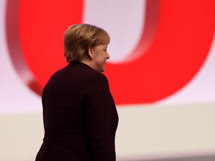Photo of Söder hält Merkel nicht ohne Weiteres für ersetzbar