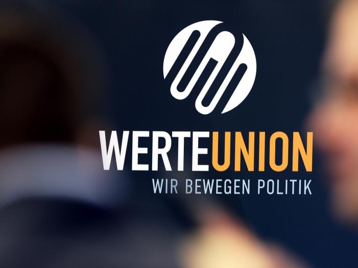 Photo of Werte-Union fordert Halbierung der Rundfunkgebühren