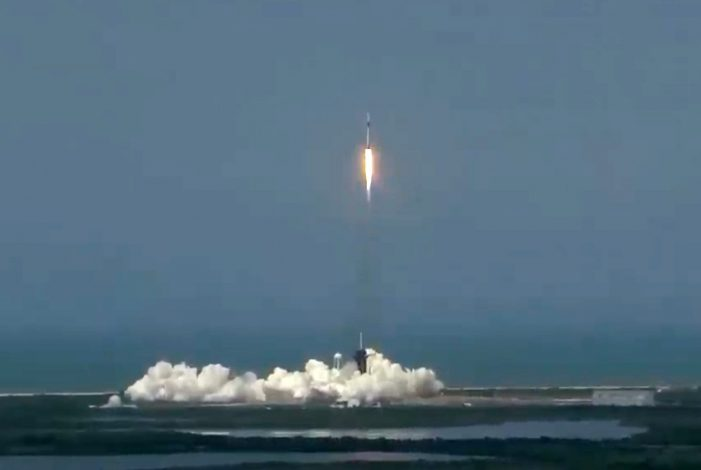 Photo of SpaceX-Raumkapsel an ISS angedockt