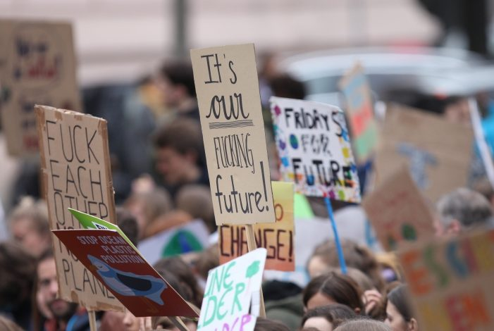 "Photo of Luisa Neubauer sieht Nachholbedarf bei ""Fridays for Future"""