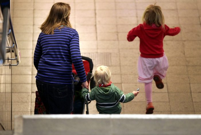 NRW Familienminister will mehr Kinderkrankentage fuer Eltern 701x470 - NRW-Familienminister will mehr Kinderkrankentage für Eltern